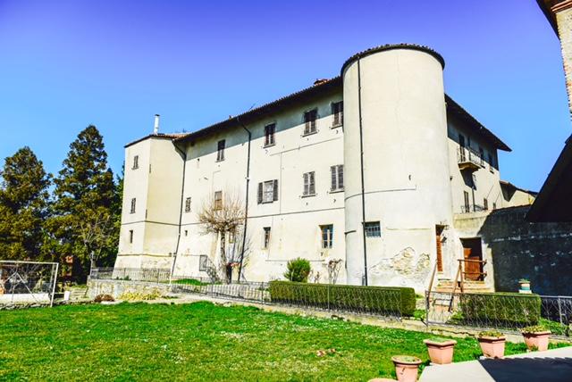 купить дворец в италии