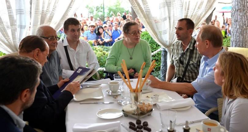 l'incontro italiani di Crimea con Presidente Vladimir Putin e con Silvio Berlusconi ad Yalta